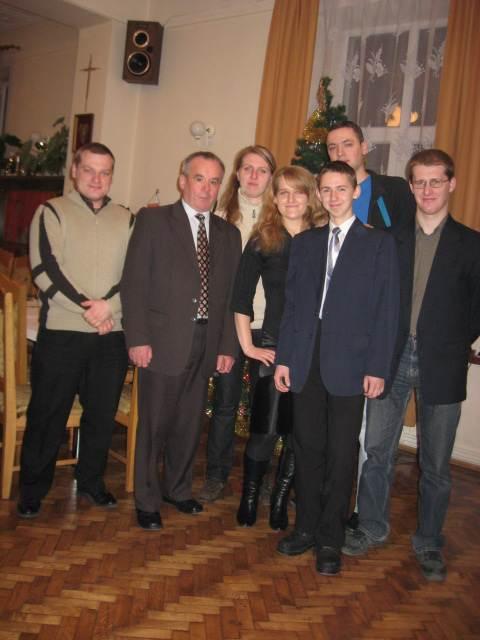 foto -Nowi   ratownicy  mieleckiego  Automobilklubu.