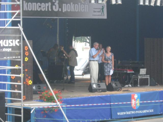 foto -Plenerowa impreza w Ropczycach.