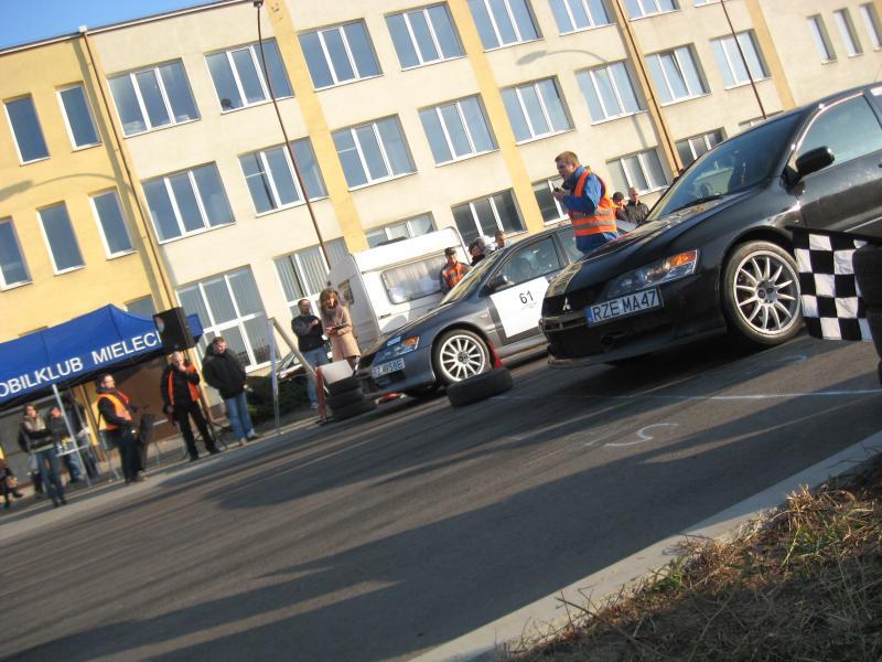 foto -Mieleckie Moto Show z LANCER-ami, PORSCHE i Fiatami CC.
