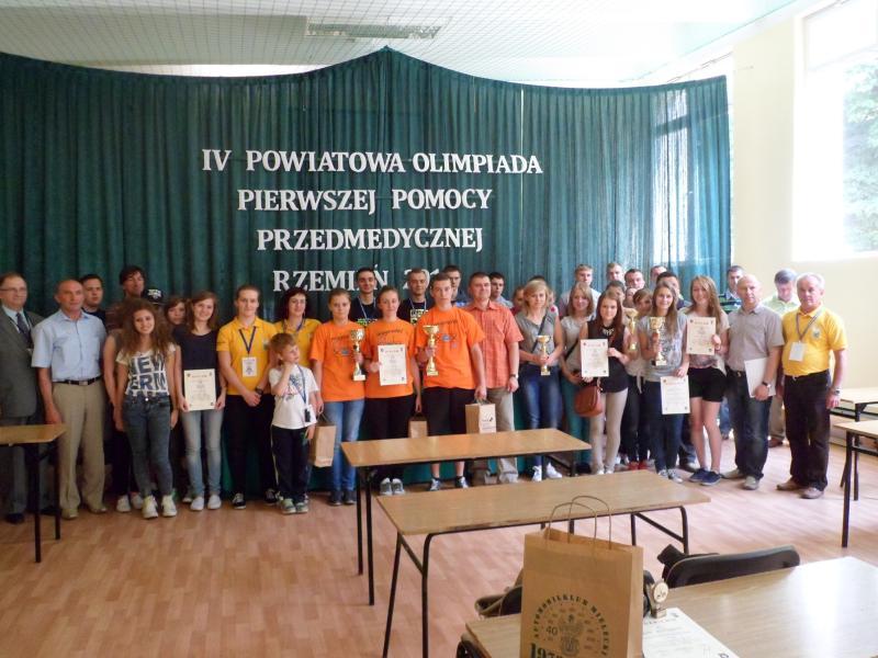 foto -IV Powiatowa Olimpiada Pierwszej Pomocy Przedmedycznej Rzemień 2014