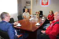 foto artykuł - Wicemistrzowie Polski z wizytą u Starosty Powiatu Mieleckigo