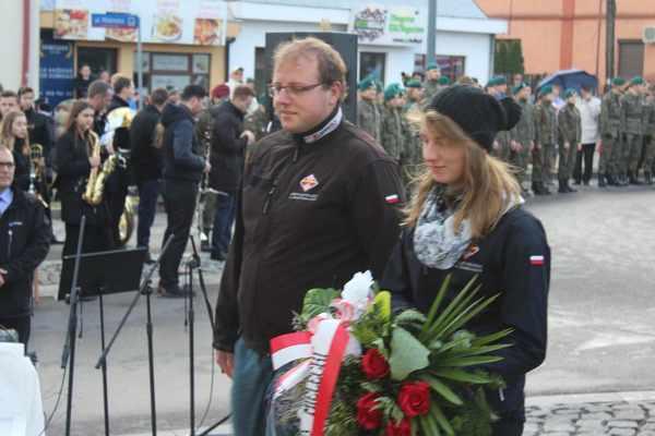 foto artykuł - 11 listopada po Mielecku.