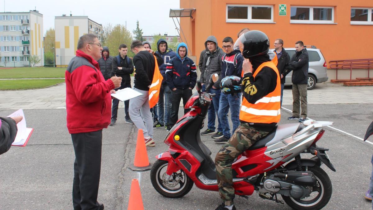 foto -Ogólnopolski  Młodzieżowy Turniej  Motoryzacyjny