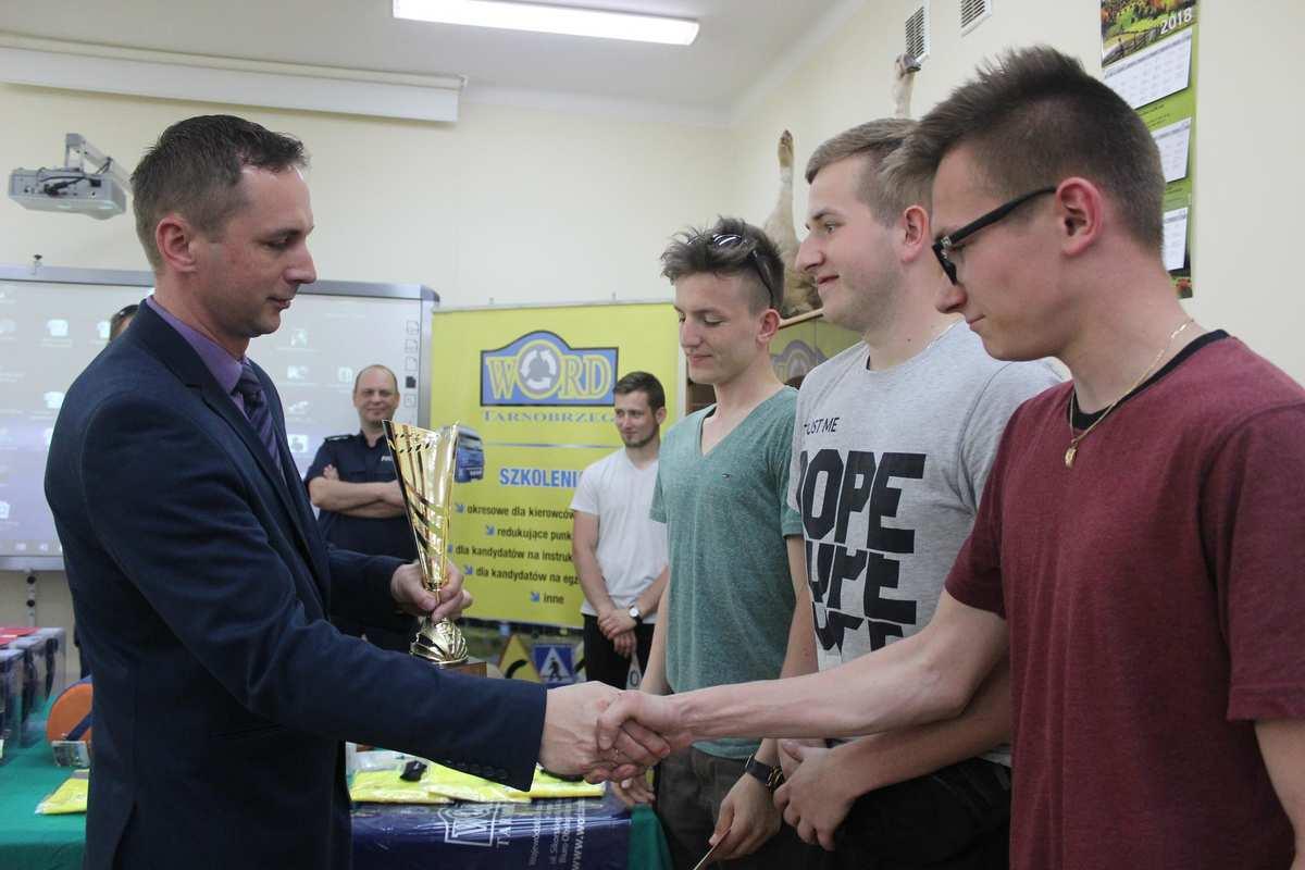 foto -Finał Powiatowego Młodzieżowego Turnieju Motoryzacyjnego został rozstrzygnięty.
