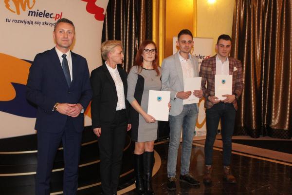 foto -Nagrody i wyróżnienie dla medalistów Mistrzostw Polski, Europy i Świata.