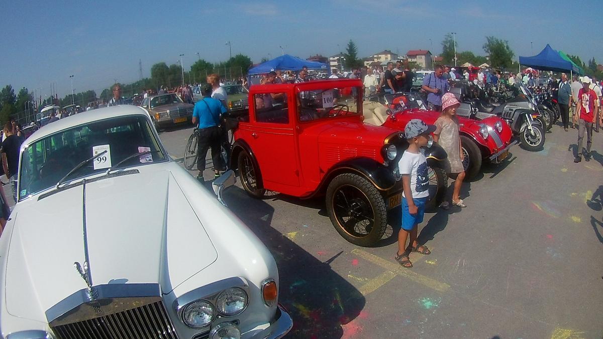 foto -Fotoreportaż Zlotu Pojazdów Zabytkowych w Mielcu